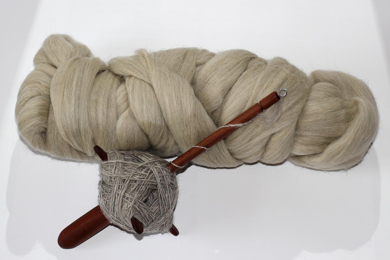 Kammzug Islandwolle grau