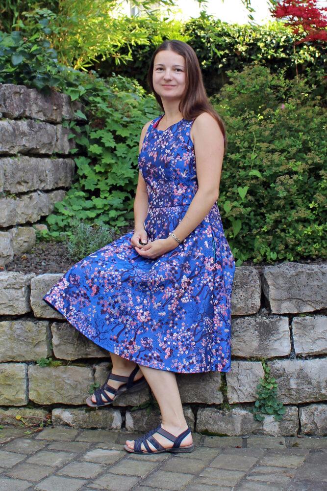 Kleid aus Jacquardstoff nähen